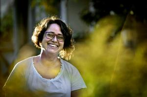 Sara Bucher vill hedra demokratin men kritiserar samtidigt kyrkovalet.