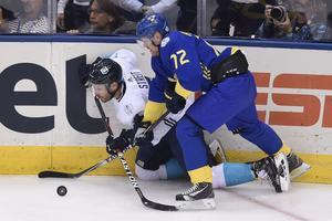 Patric Hörnqvist mot Lag Europas Mark Streit i semifinalen  i World Cup på söndagen, som fick avgöras i förlängning.