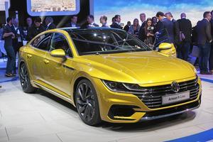 Snygga Volkswagen Arteon ska återupprätta det skadade förtroendet efter