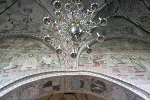 Utsmyckningar i det Bååtska gravkoret i kyrkan.