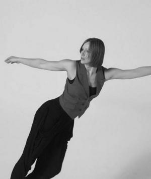 VOGELDANS. Stina Nyström, danspedagog vid Svenska balettskolan, ska som en del av Vindöga-festivalen i Sandviken dansa till Peter Vogels ljudskulpturer.
