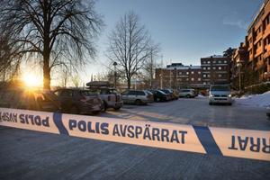 Under eftermiddagen har kommunhuset i Sundsvall varit avspärrat på grund av ett paket eller brev med okänt innehåll hade lämnats in i receptionen.