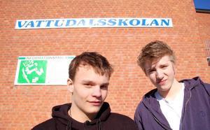 Alexander Söderlund och Joacim Hoffman har kommit med i TV4-programmet Talang. De sysslar med den ovanliga underhållningsformen mikrofonmim. Foto: Jonas Ottosson