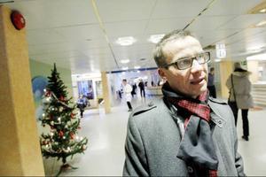 Ulf Kristersson (M), socialförsäkringsminister, besökte Östersund på måndagen. Han passade på att berömma dem som arbetar på försäkringskassan.
