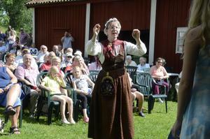Sara Hansen dirigerade körsångarna.