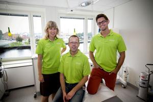 Läkarna Karolina Hedlund, Nils Olsson och Henrik Wretling ser fram emot att få arbeta på Gävle Strands hälsocentral trots att de inte får några egna arbetsrum.