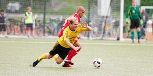 2017 var senast de båda lagen möttes i seriesammanhang. Då vann Sala FF med 1–0 på Lärkan, innan Heby AIF fick en 2–1-revansch på Tegelvallen.