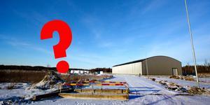 Frågorna är många. Kommer crosshallen i Tierp någonsin bli klar. Om det inte kommer köras cross i hallen - vad ska den då användas till? Vilka är kommunens planer för hallen framåt?