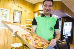 Osman Yucel hoppas att den nya pizzan ska bli en riktig julsuccé.