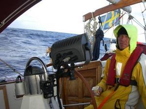 FRAMME I VÄRMEN. Blåsigt och kallt har Dan och Anne Roghe stundtals haft det på sin sju månader långa seglats. Men nu är Järboparet framme  i värmen i Västindien.  Foto: www.dananne.se