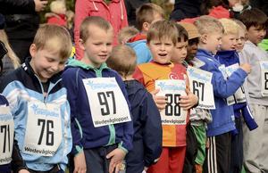 En smula otålighet kunde skönjas bland grabbarna på startlinjen. De ville komma iväg...