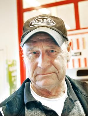 Kjell Åström, pensionär, 67 år, Gävle.– De har inte kommit med det de lovat till exempel inom barnomsorg och äldreomsorg. De kommer med nya löften vid valet men uppfyller dem inte.