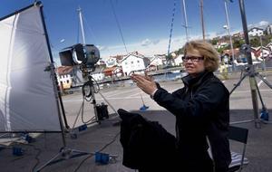 Lena Koppel har ersatt Carin Mannheimer i regissörsstolen.Hon både vill och får sätta sin egen prägel på serien.