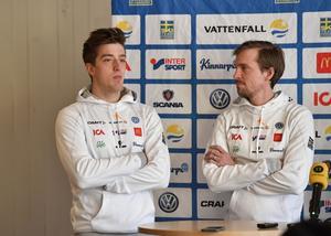 Svensk presskonferens med Calle Halfvarsson och Johan Olsson.