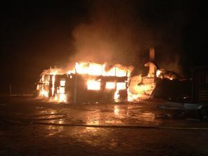 Tre hästar innebrändes i Trolldalen på onsdagskvällen.