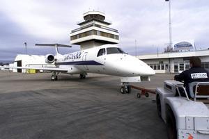 Reguljärtrafiken upphörde för 16 år sedan, men flygplatsen används ändå flitigt, bland annat av Gävle sjukhus, Lantmäteriet och Brynäs hockeylag.