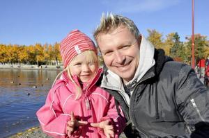 Tone och Thorbjörn Lundqvist matade änderna nere vid Badhusparken.