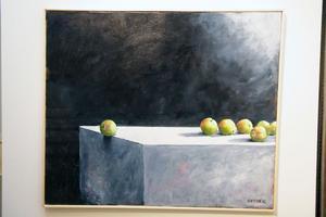 Äpple i fara är ett exempel på hur Lars Mortimer leker med ljuset i sina bilder.