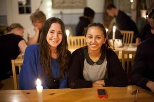 Pernilla Danielsson och Sarah Andersson besökte miljökvällen.