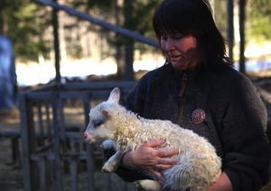 Kraftöverföring. Att hålla på med djuren ger Lisa Rytter kraft och energi att klara av vardagen.