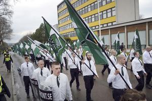 Nazistiska Nordiska motståndsrörelsens demonstration i Borlänge på första maj.