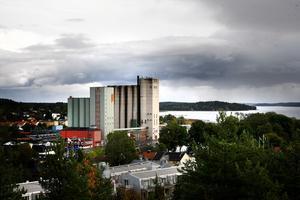 Tyvärr tror jag inte att Kjell Jansson kan locka kapitalstarka barnfamiljer till kommunen med dyra bostadsrätter på osäkra premisser i Norrtälje hamn. skriver Gunnar Hellström.