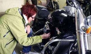 En motorcykel ska vara välputsad. Bilen är det inte lika noga med...