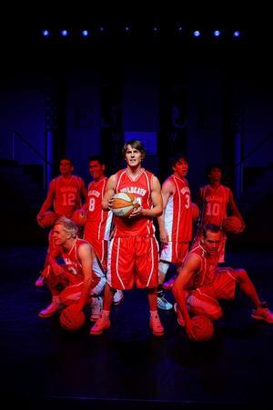 Scen ur musikalen High school musical, som har nypremiär i Stockholm 16 januari 2009.Foto: Pressbild
