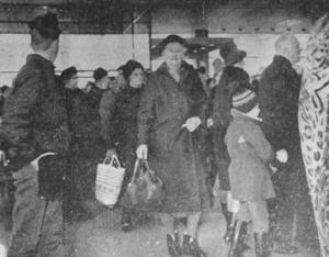 Köerna ringlade sig långa utanför Tempo innan glasdörrarna öppnades på morgonen den 30 mars 1966.