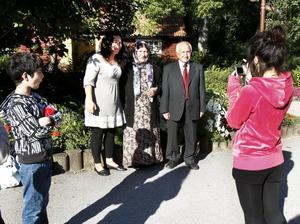 Familjefoto. Soulin Mollaomar fick äran att fotografera familjen med mamma Kadira Sharif, farmor Hazina Mollaomar och farfar Sabri Mollaomar. Lillebror Sherwan Mollaomar tittade på.