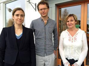 Louise Holmer och Daniel Wojahn föreläste om kön och genus i språket. Karina Vennerbring tog emot från Klarspråk i Västernorrland.