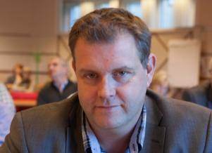 Bengt Sörlin (M) menar att den enda som kan rädda situationen är ett riktigt omtag.