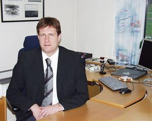 Fem kontor har blivit 15. Magnus Pallin har tidigare varit chef för bankkontoren i Ådalen, men är nu vd för ett mycket större område.