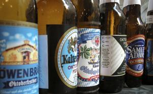 Ölfrosseri. I slutet av september inleds den stora Oktoberfesten i München där miljontals liter öl flödar i de gigantiska öltälten. I Sverige lanseras sedan några år också speciella oktoberfestöl av lättdrucken lagertyp för den som vill fira hemma.
