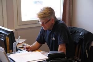 Staffan Alengård kommer från Tanumstrand, Norlandias flaggskepp i Sverige. Han skulle vikariera en säsong i Hassela. Nu avslutar han den tredje.