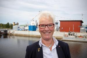 Åsa Lindestam, vice ordförande i Försvarsutskottet. Här vid invigningen av kustbevakningens nya station i Gävle.