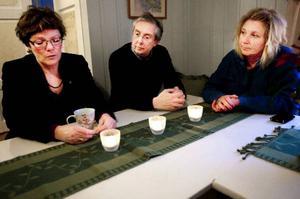 Kommunalrådet Lena Olsson (BE), näringslivschef Anders Englund och kommunchef BrittInger SteinÖhrnell tror att samarbete mellan olika instanser nu är rätt sätt för att mota Olle i grind.  Foto: Håkan Luthman