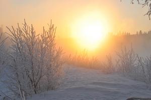 Skickar in två av mina favoriter, dessa är tagna vid Krokomsviken vid -18 grader. Vatteånga och solnedgång ger en speciell känsla i bilden.