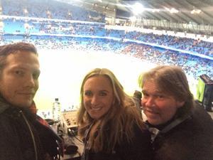 På plats inför Manchester City-Barcelona med Anders Bjuhr och Glenn Strömberg.