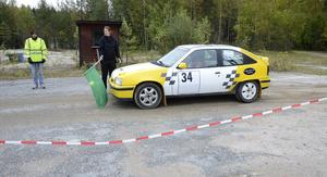 Vid startplattan. Marcus Andersson och Carola Stenberg.