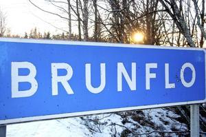 Signaturen har på känn varför omdragningen av E14 förbi Brunflo tagit så lång tid.