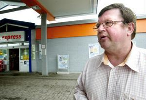 Den anställde handlade föredömligt berättar Hans Eriksson som driver Statoils bensinmack i Torsboda. Det är första gången unde nio år som något liknande hänt vid företaget.