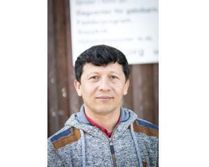 Arif Said kom till Sverige för drygt fyra år sedan. Idag jobbar han på biståndscentret Hjälp till Liv i Hudiksvall.