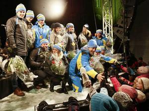 Närmare 20 000 hyllade länets olympier på Stortorget i Östersund efter framgångarna  i OS i Vancouver 2010.