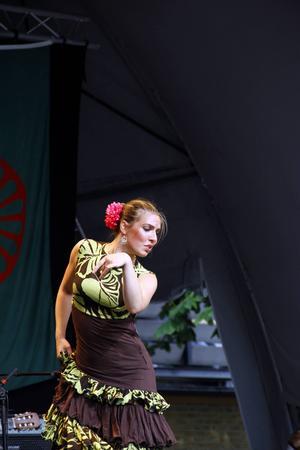 Sabina och Yasmin Bokhari, från gruppen Flamenco del Sur, ger en flamencoföreställning på Fjällmuseet torsdag kväll.