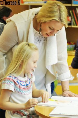 Intresserad förälder-Maria Malmgren samt elev Henny Malmgren-Larsson.