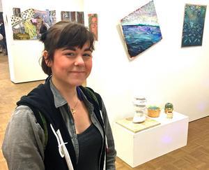 Jeanette Gustafsson är en av de unga konstnärer som nu ställer ut på Västerås konstmuseum.