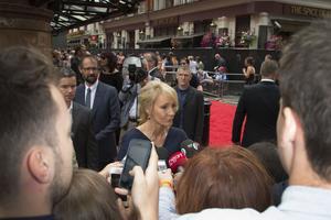 Författaren J.K. Rowling är aktuell med nytt Harry Potter boksläpp, teateruppsättning och film.