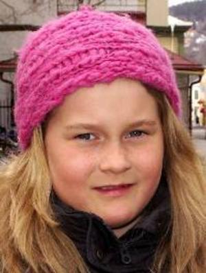 Ebba Novén, 9 år, Östersund:– Ja, därför att jag älskar djur. Jag skulle ha den i garaget. Och så måste jag ha en hage så att den kan vara ute.
