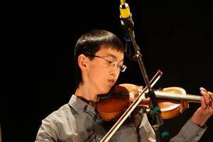Andreas Svensson var en utav få killar och en utav få som spelar fiol.
